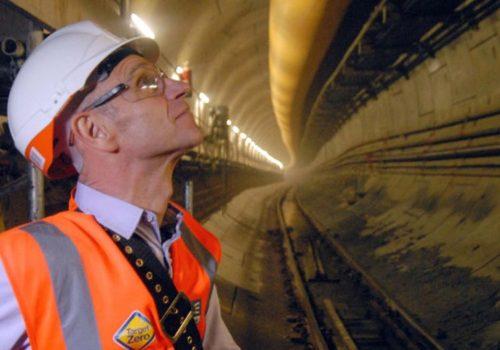 FT: İngiltere'nin mega projeleri suya düşüyor