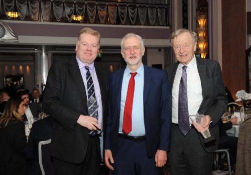 İngiltere'deki İşçi Partisi Kobiler için gala düzenliyor