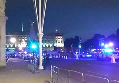 Londra'da polise kılıçlı saldırı!