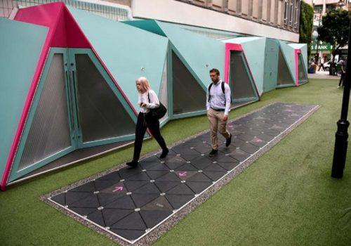 Londra'daki akıllı sokak, üzerinden yüründükçe enerji üretiyor