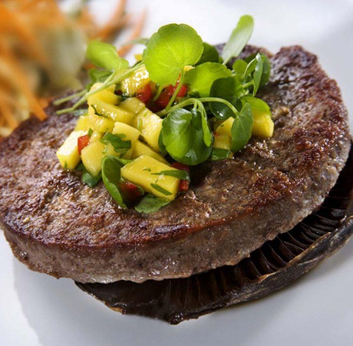 Öncü hamburger markası yeni fabrikası ile fark yaratacak