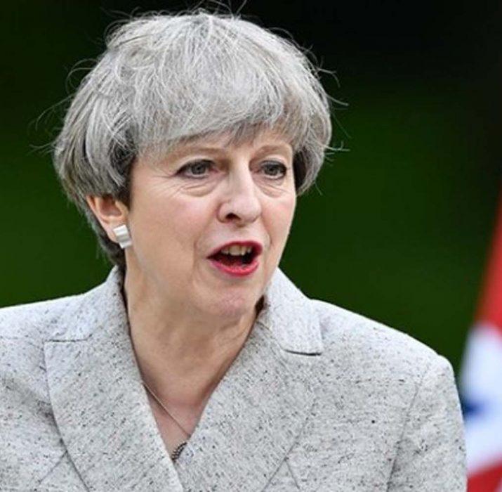 İngiltere, Myanmar'la askeri ilişkiyi askıya aldı