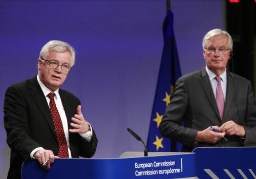 Davis: İngiltere-AB arasında kararlı adımlar atıldı
