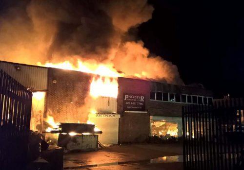 White Hart Lane'de çıkan yangında zarar büyük (VIDEO)