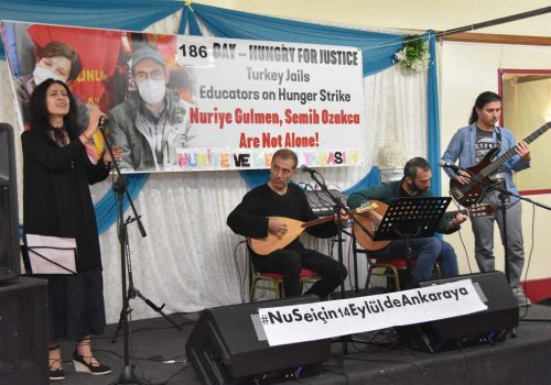 Hunger strike teachers supported in London