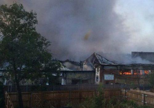 Fire crews tackle White Hart Lane blaze