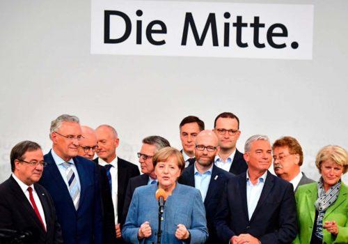Merkel'in zaferi gölgede kaldı
