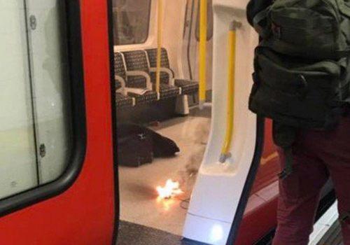 Metroda patlayan şarj aleti panik yarattı