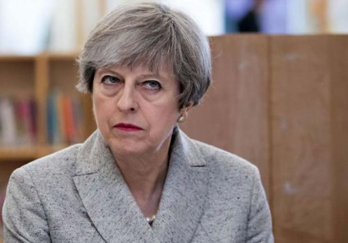 Theresa May Brexit'e kurban gitti