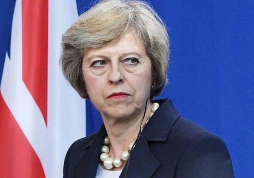 Brexit oylaması: May'e büyük darbe