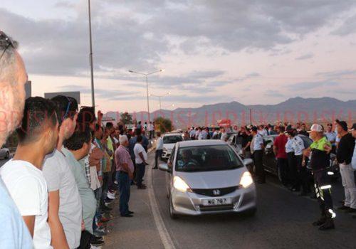 Eylemlerini sonlandıran taksicilerden hükümete 3 gün süre