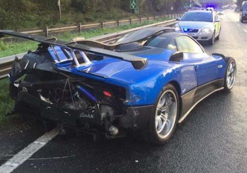 1,5 milyon sterlin değerindeki süper araba kaza yaptı