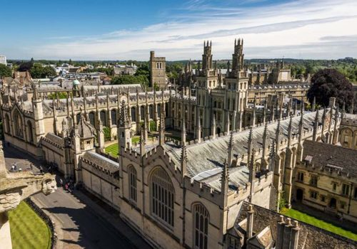 Oxford ve Cambridge'den siyahlara ayrımcılık