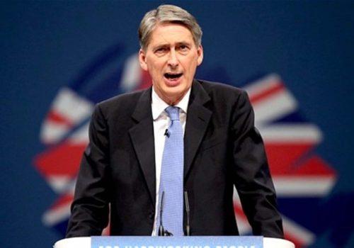 Hammond: Brexit belirsizliği ortadan kaldırılmalı