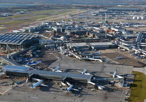 Heathrow havalimanının 'Çok Gizli' bilgileri sokakta bulundu