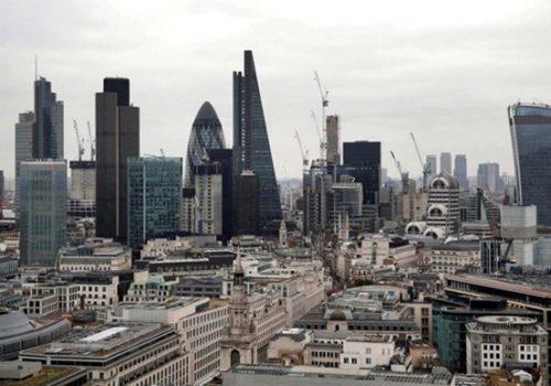 İngiltere'de özel sektör büyümesi yavaşladı