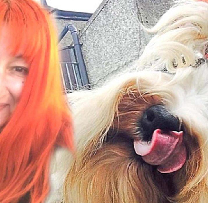 43 yaşındaki kadın, köpeğiyle evlendi!