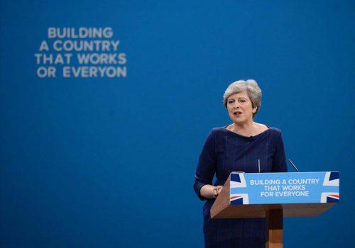 Talihsizlikler Başbakan May'in peşini bırakmadı