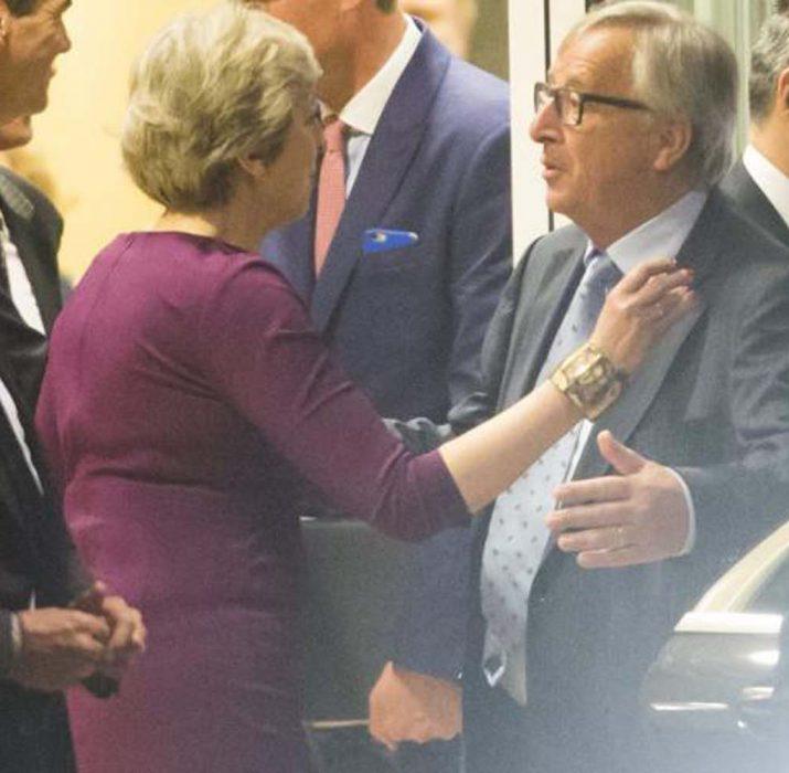 Juncker ve May zirve öncesi buluştu