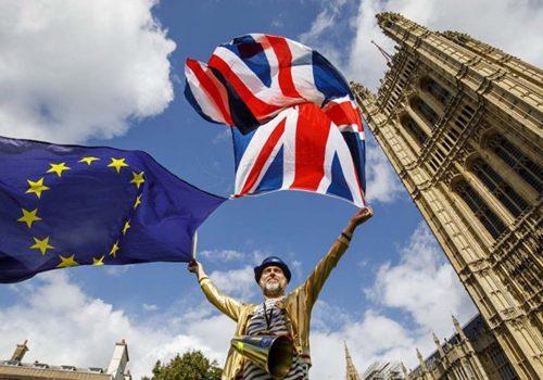 Brexit ile taşınacak iki kurumu Paris ve Amsterdam kazandı