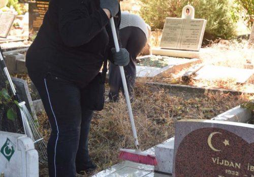 Türk mezarlığında skandal iddia