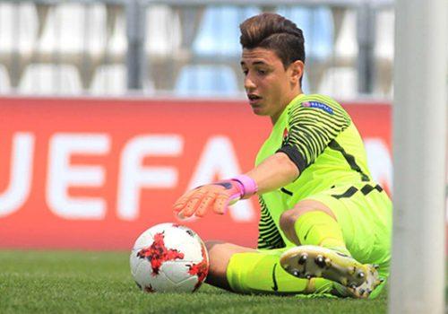 Altınordu'nun genç kalecisi Berke Özer'e Chelsea talip oldu