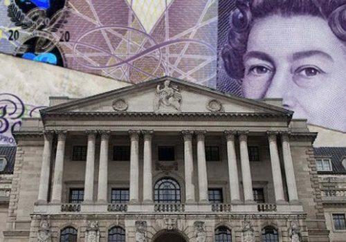 İngiltere'de son 10 yılın ilk faiz artırımı