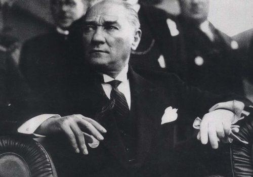 'Atatürk: Türklerin Babası' belgeseli 47 yıl sonra ilk kez yayında