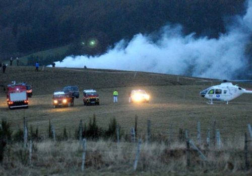 Helikopterle uçak havada çarpıştı: 4 ölü