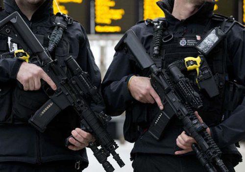 İki terör şüphelisine polis baskını