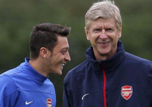 Wenger: Mesut Özil daha fazla risk almalı