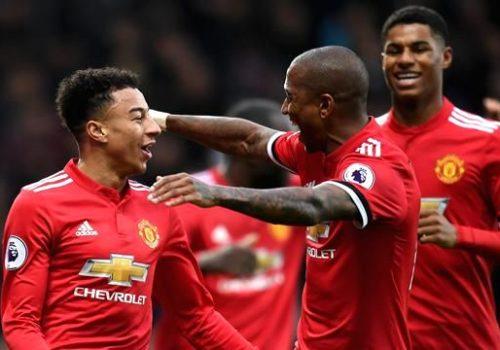 Manchester United deplasmanda galip