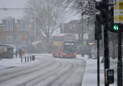 Londra karlar altında