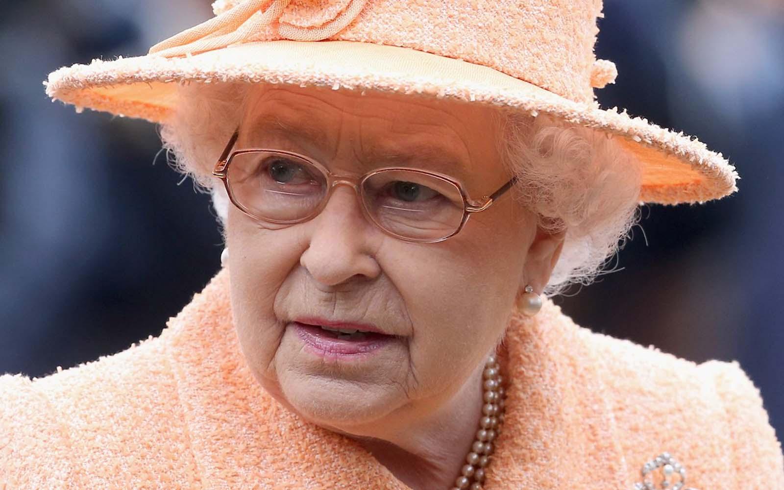 İngiltere Kraliçesi Glasgow'a da gidemeyecek
