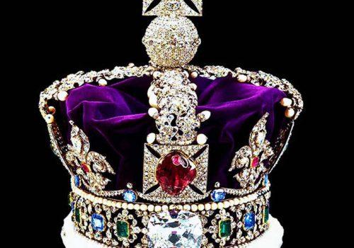 Kraliçe Elizabeth'in tacının taşları Nazilerden nasıl saklandı?