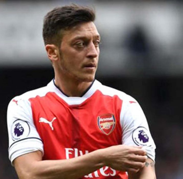 Arsenal'da ayın futbolcusu Mesut Özil
