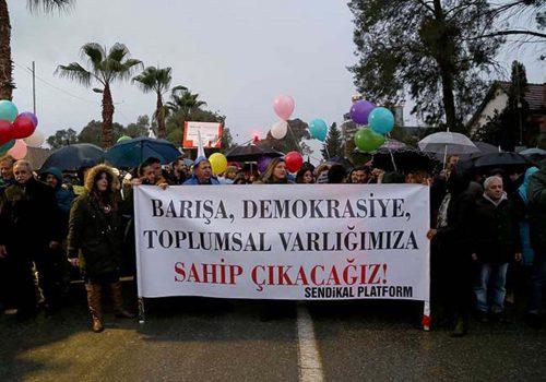 'Barış ve Demokrasi Yürüyüşü' yoğun katılım ile gerçekleşti