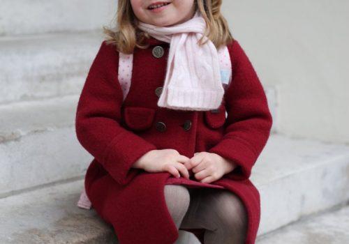 Küçük prenses Charlotte okula başladı