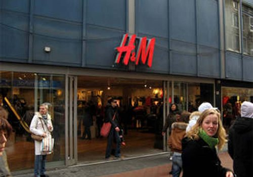 H&M'e ırkçılık suçlamasıyla tepki yağdı