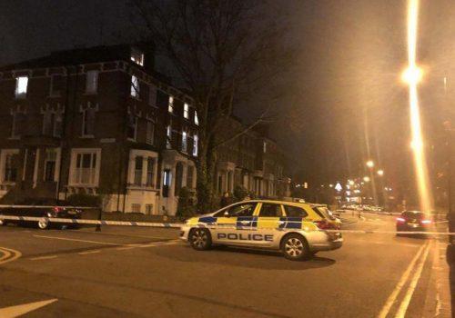 Stoke Newington'da bir  genç bıçakla yaralandı
