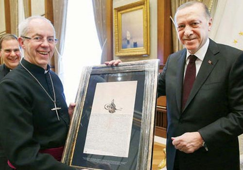 İngiliz Başpiskopos'a ilginç hediye