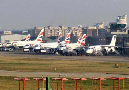 City Havalimanı bomba nedeniyle kapatıldı