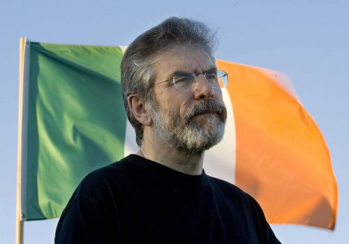 Sinn Fein'in lideri görevini bıraktı