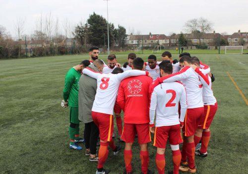 GS FC-AFC Milano oynuyor