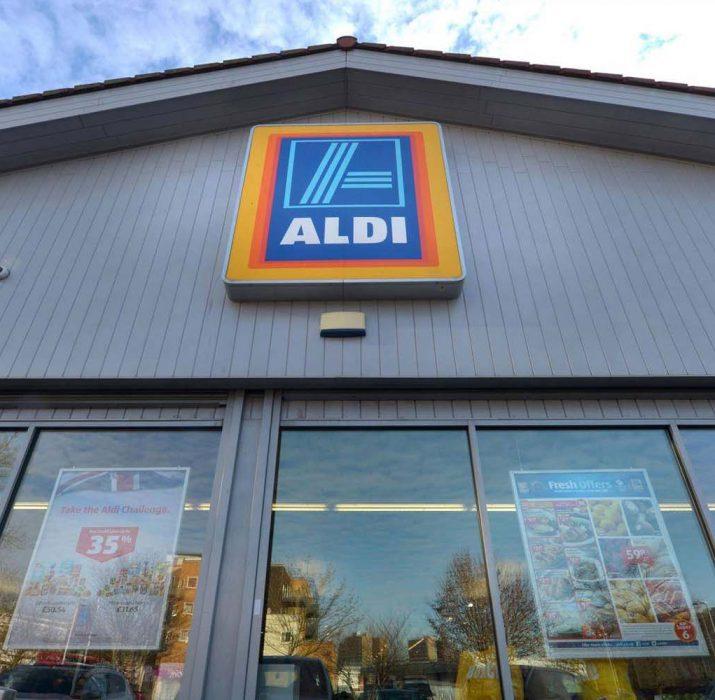 Süpermarket zincirinden bankamatik çalan hırsızlar