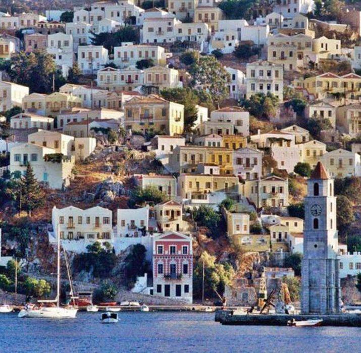 """Güney Kıbrıs'ta """"Kıbrıslılara"""" karşı ayrımcılık"""