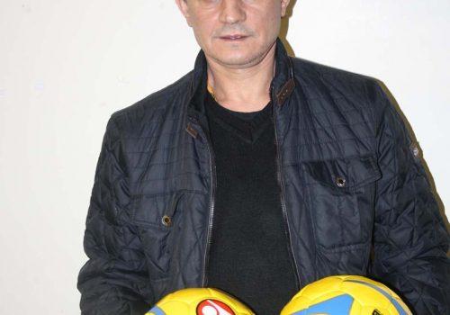 Türkmenköy'den iki futbol topu