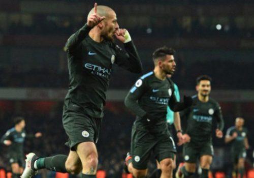 Manchester City Arsenal'i 3 golle geçti