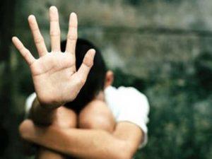 Küçük çocuğa arkadaşı tecavüz etti