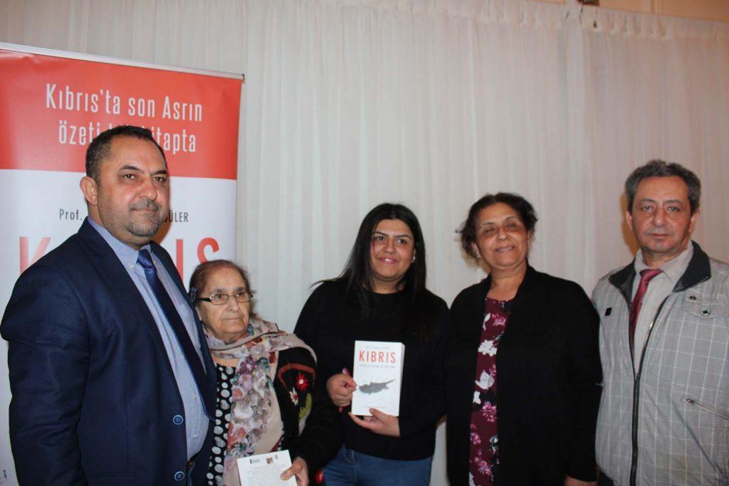 Mehmet Hasgüler Londra'da okurlarıyla buluştu